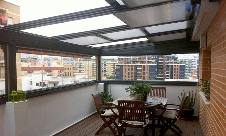 3 factores a tener en cuenta para elegir las cortinas de cristal para tu terraza o balcn - Acristalar Terraza